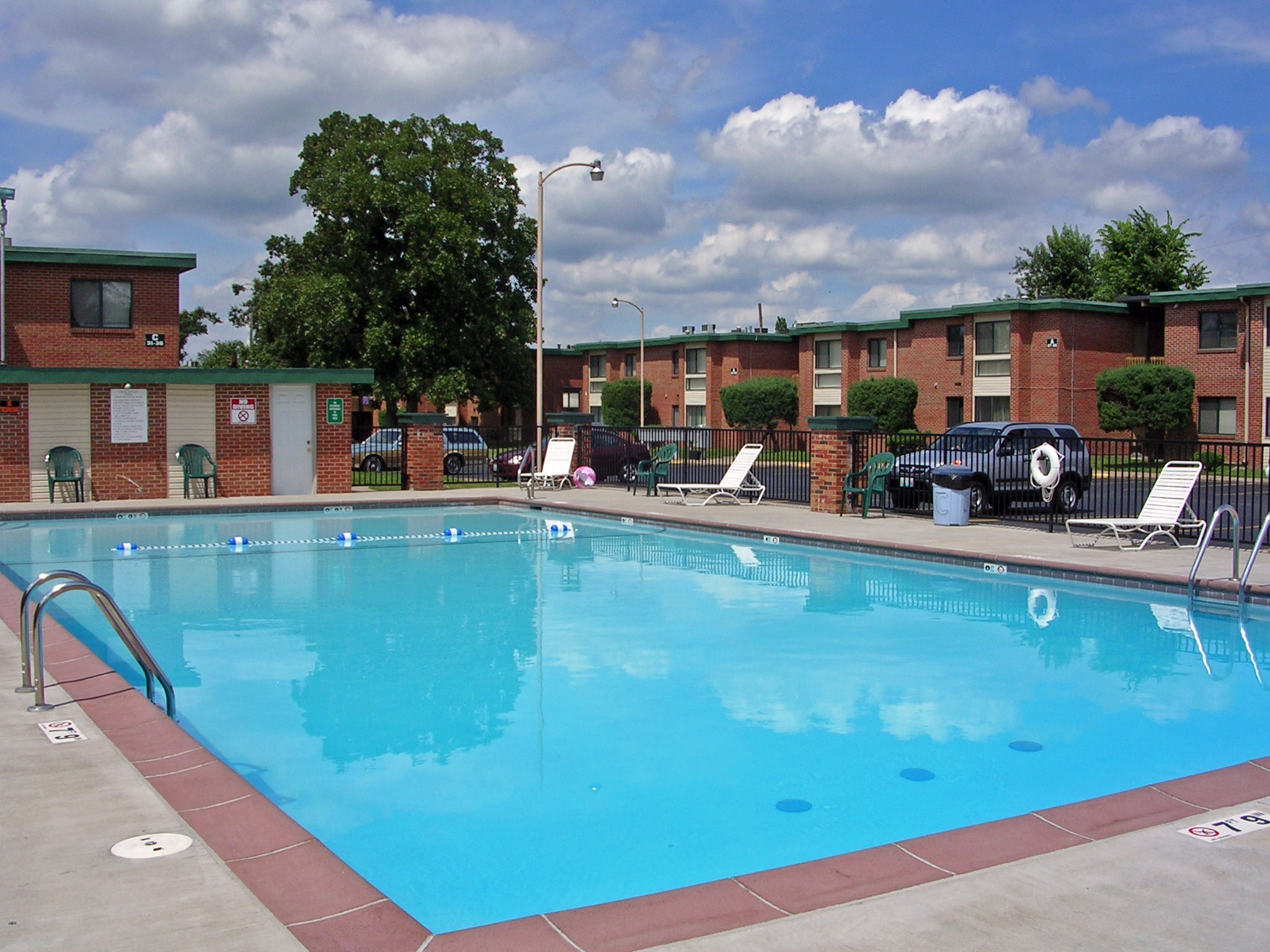 Photos Features Town And Campus Apts